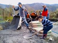 CUMHURIYET BAYRAMı - Hasbeyler Köyü'nde Devlet Millet İş Birliğinin En Güzel Örneği Sergileniyor