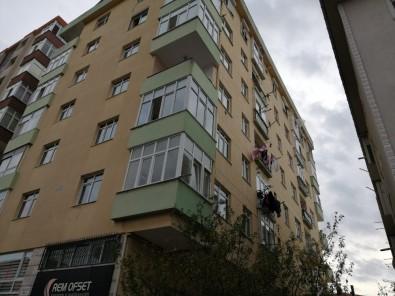Maltepe'de 7 Katlı Binada Korkutan Yangın