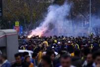 TEZAHÜRAT - Fenerbahçe Taraftarı Büyük Coşku Yaşadı