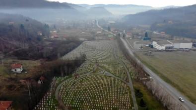 (Özel) Srebrenitsa Annesinden Nobel Ödüllü Yazara Açıklaması 'Katliamın Kanıtı İşte Bu Mezarlık'