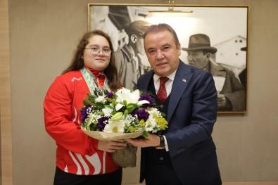 Avrupa Şampiyonu Aleyna'dan Başkan Böcek Ve Esen'e  Ziyaret