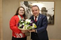 AVRUPA ŞAMPİYONU - Avrupa Şampiyonu Aleyna'dan Başkan Böcek Ve Esen'e  Ziyaret