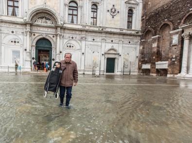 Venedik Yine Sular Altında