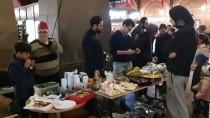 KOPENHAG - Danimarka'da Müslümanlardan Noel Yemeği İkramı