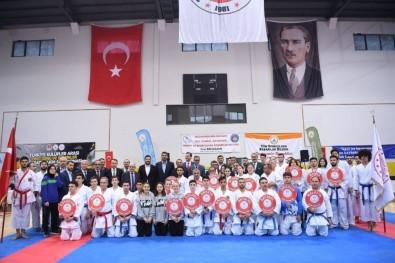 Kartepe'de Karate Şampiyonları Belli Oldu