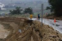 6 İlçeyi Adana'ya Bağlayan Karayolu Çöktü