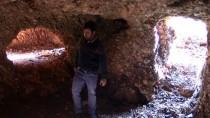 BAĞBAŞı - Adıyaman'da Köylüler, Roma Dönemine Ait Kaya Mezar Buldu