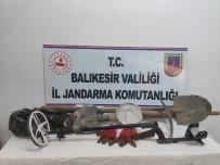 Balıkesir'de Kaçak Kazı Yapan 3 Kişi Suçüstü Yakalandı