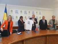 ALI ACAR - Kemer İle Truskavets Belediyeleri Arasında İşbirliği Niyet Mektubu İmzalandı