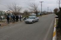 MEHMET EKİNCİ - Otomobil Öğrencilere Çarptı