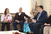 MUSTAFA SAVAŞ - Savaş Ve Fillikçioğlu'ndan Muaythai Şampiyonu Beyza'ya Tebrik Ziyareti