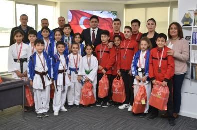 Aliağalı Genç Sporculardan Başkan Acar'a Ziyaret