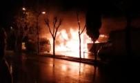 İMALATHANE - Sultangazi'de Mobilya İmalathanesi Alev Alev Yandı