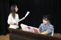 SAĞ VE SOL - Bayraklı'da Piyano Ve Şan Kursu