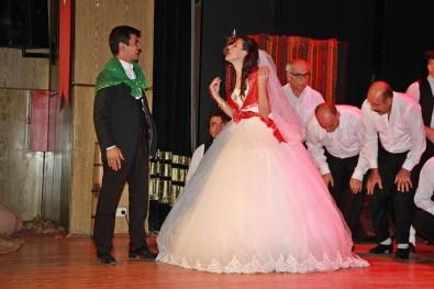 Bozlak Türküler Tiyatro İle Canlandırıldı