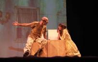 SAVAŞ KARŞITI - 'Kapıların Dışında' Nilüfer'de Sahnelendi