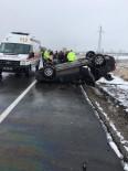 Otomobilin Ters Döndüğü Kazada 3 Kişi Yaralandı