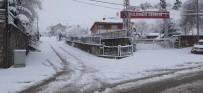 Tunceli'de Kar Yağışı, 161 Köy Yolu Kapandı, İki İlçede Taşımalı Eğitime Ara Verildi