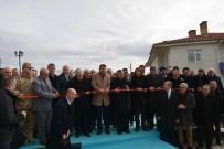 İSMET YıLMAZ - Gölova'da Öğretmenevi Ve Halı Saha Törenle Hizmete Açıldı