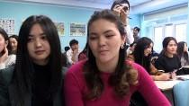 TÜRKIYE TÜRKÇESI - Kırgızistan'da 'Türkiye Türkçesi' Kursunu Tamamlayan Kursiyerlere Sertifikaları Verildi