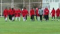 YAŞAR KEMAL - Lider Sivasspor, Göztepe Maçı Hazırlıklarını Tamamladı