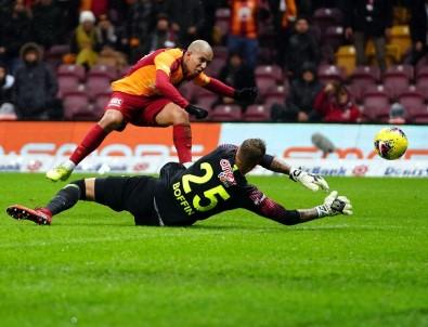Süper Lig Açıklaması Galatasaray Açıklaması 3 - Antalyaspor Açıklaması 0 (İlk Yarı)