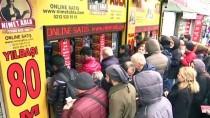 MILLI PIYANGO - İstanbul'da Yılbaşı Yoğunluğu Devam Ediyor