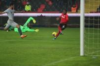 UFUK CEYLAN - Süper Lig Açıklaması Gaziantep FK Açıklaması 1 - Yeni Malatyaspor Açıklaması 0 (İlk Yarı)