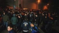 ÜNAL KARAMAN - Trabzonspor Taraftarlarından Ünal Karaman'a Destek