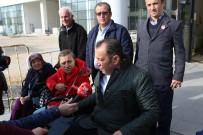 TANJU ÖZCAN - Bolu Belediye Başkanı Tanju Özcan Akülü Engelli Aracı İle Şehirde Dolaştı
