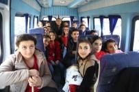 Çocuklar Makam Aracıyla, Vali Servis Minibüsüyle Gitti