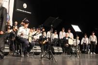 AHMET ÖZHAN - Engel Tanımaz İzciler Konseri Davetlilerden Tam Not Aldı