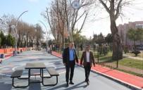 FUTBOL SAHASI - Adapazarı'nın 39 Mahallesinde Çocuk Ve Spor Parkları Tamamlandı