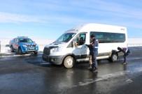TRAFİK CEZASI - Kars'ta Jandarmadan Huzur Uygulaması