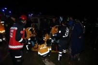 KORUCUK - Kontrolden Çıkan Minibüs Devrildi Açıklaması 1 Ölü, 4 Yaralı