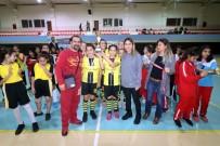 ORHAN GAZİ - Ada Sokağı Ortaokulu Hentbolde Adana Birincisi