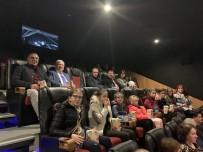 NAİM SÜLEYMANOĞLU - Başkan Yüksel, Bulgaristan'dan Gelen Misafirlerini Naim Süleymanoğlu Filmine Götürdü
