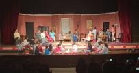 YEŞILBAYıR - Döşemealtı'ndaki Gönüllülerden 'Pijama' Tiyatrosu
