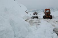 Tunceli'de Kardan Kapanan 76 Köy Yolu Açıldı, 63'Ünde Çalışma Sürüyor