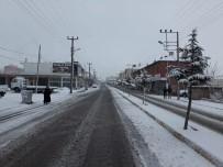 Acıgöl'de Kar Yağışı Etkili Oluyor