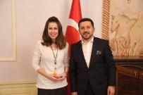 İPEK TUZCUOĞLU - Ünlü Oyuncu İpek Tuzcuoğlu, Belediye Başkanı Arı'yı Ziyaret Etti