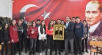 ÖĞRETMENLER GÜNÜ - Erzincan Lisesinden İl Milli Eğitim Müdürü Gün'e Öğretmenler Günü Hediyesi