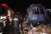 TEM OTOYOLU - Kargo Kamyonu İle Otobüs Çarpıştı; 2 Ölü 26 Yaralı