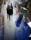 CEMAL GÜRSEL - Marketten 22 Saniyede Dev Ekranlı 2 Televizyonu Çaldılar