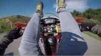 İSTINYE - Motosiklete Sırtüstü Uzanıp Tek Tekerlek Üzerinde Gitti