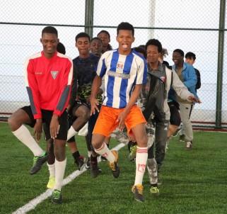 Afrikalı Öğrencilerin Futbol Tutkusu