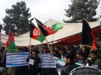EŞREF GANI - Afganistan'da Türkmenler Sokaklara Döküldü