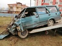 Hastaneye Kontrole Giden Çiftin Otomobili Tarlaya Uçtu Açıklaması 1 Ölü, 1 Yaralı