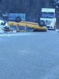 Takla Atan Otomobilde Üç Kişi Yaralandı
