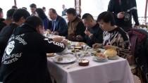 SARAY MUTFAĞI - Çinli Turizmciler Tava Ciğere Hayran Kaldı
